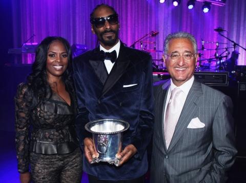 Snoop Dogg, Drake, honored at BMI Urban Awards