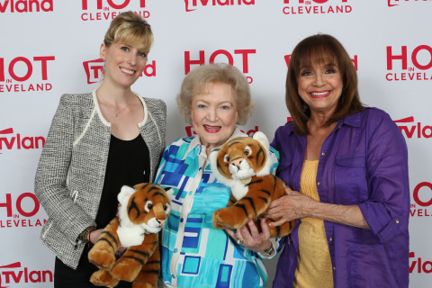 Betty White Gives Valerie Harper A Tigress And Cub For Mother's Day