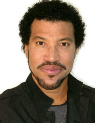 Lionel Richie To Be Honored As 2016 MusiCares Person Of The Year