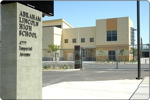 San Diego School District Receives Award For Supporting Disable Veterans Businesses